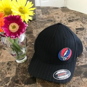 NWT Grateful Dead ⚡️SYF Pinstripe Flexfit L/XL Hat